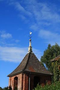 Der Kirchturm der Deichkirche