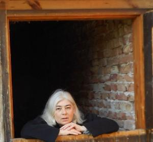 Foto von Andrea Klier hinter der Box