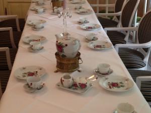 "Geschirr ""Ostfriesische Rose"" im Sophien Cafe Leer"