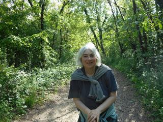 Ostfriesenkrimi Autorin Andrea Klier Spaziergang im Wald