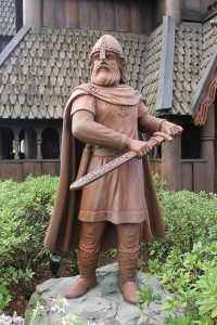 Wikinger Statue