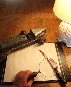 Bluitiges Messer wird untersucht