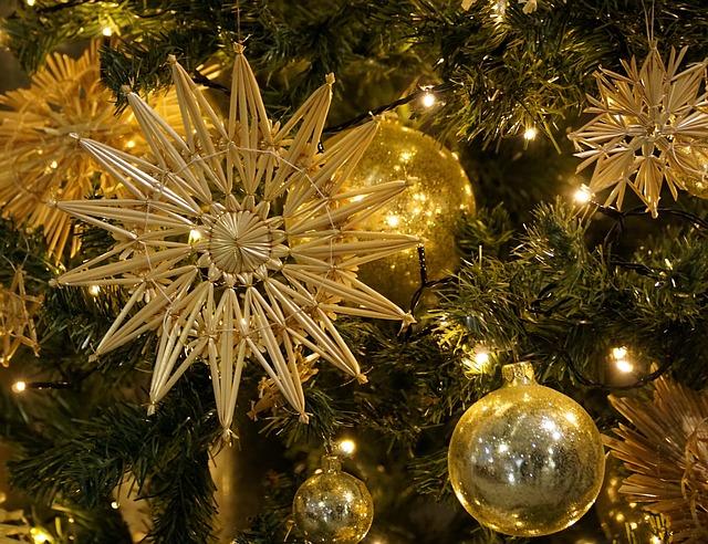 Weihnachtsbaum Strohsterne