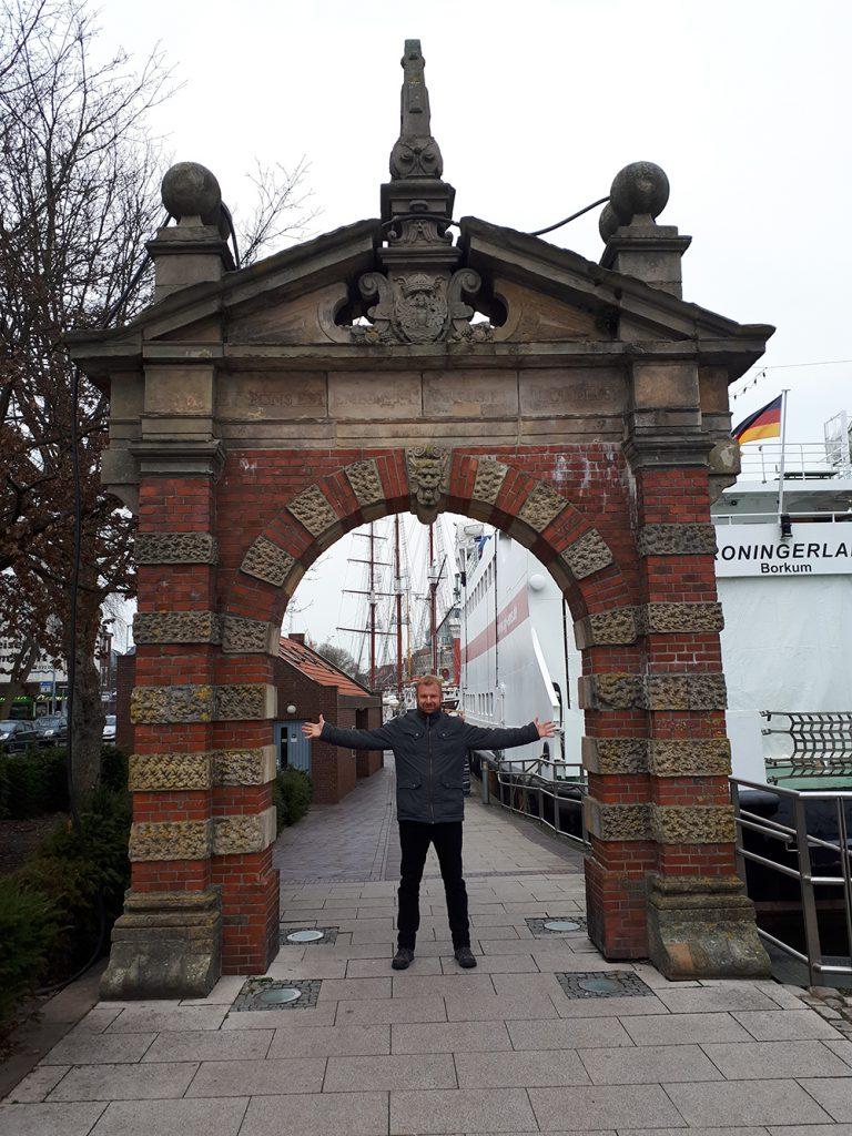 Ostfrieslandkrimi-Autor Thorsten Siemens in Emden