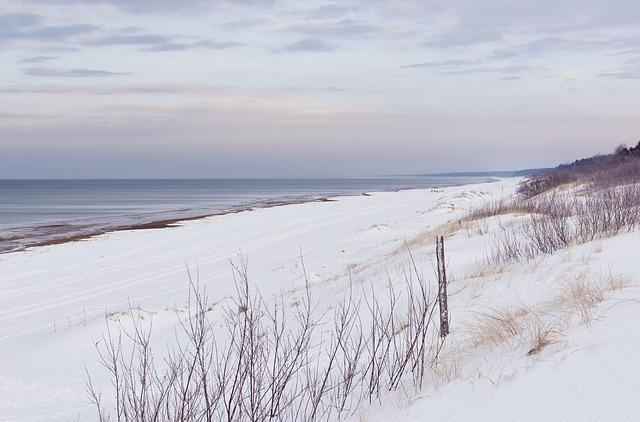 Schnee Dünen Küste